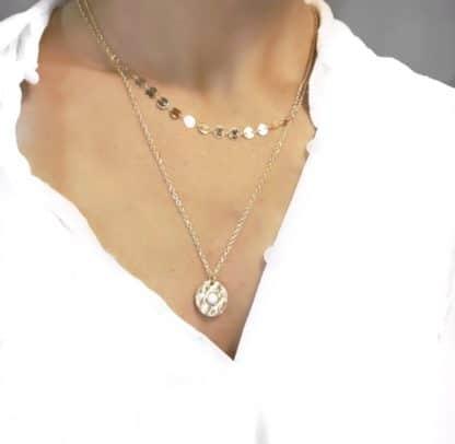 collier dore medaille tendance
