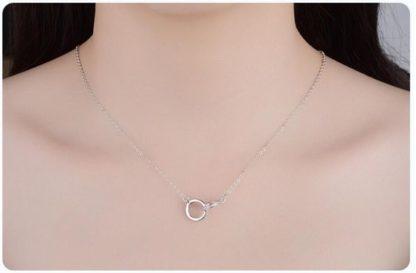 collier cercles entrelaces cadeau romantique